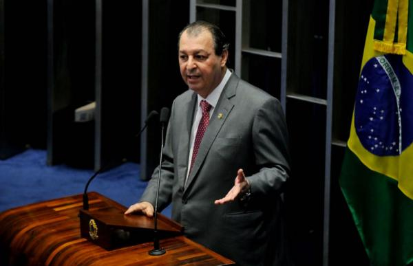 Omar Aziz pede que Governo Federal use as forças armadas para combater narcotráfico