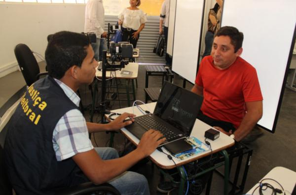 CMM fecha parceria com TRE-AM para concluir biometria na capital