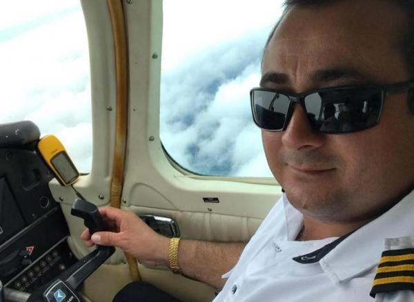 Piloto que morreu em acidente aéreo postou mensagem nas redes sociais antes de decolar