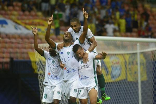 Manaus vence Nacional e avança para semifinal no Barezão