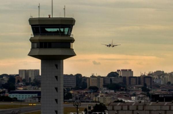 FAB abre processo seletivo para controladores de tráfego aéreo