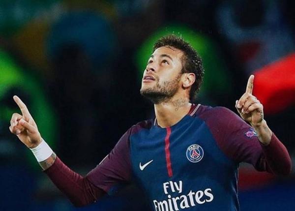 Neymar se recupera em mansão de R$ 28 milhões e com megaestrutura