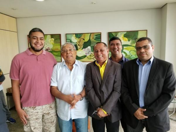 Governador Amazonino recebe representantes de praças da Polícia Militar do Amazonas