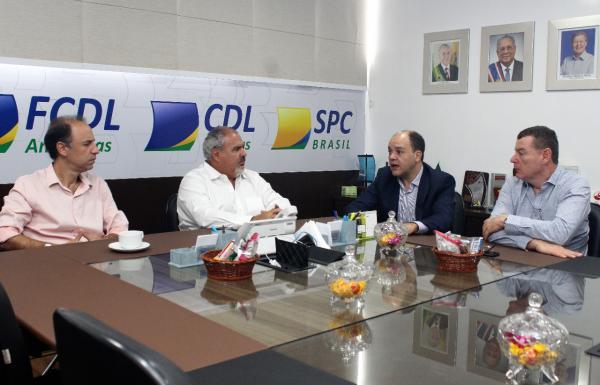 Sistema de estacionamento rotativo Zona Azul recebe apoio da FCDL e CDL Manaus