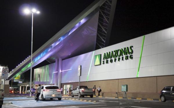 Homens armados assaltam loja no Amazonas Shopping
