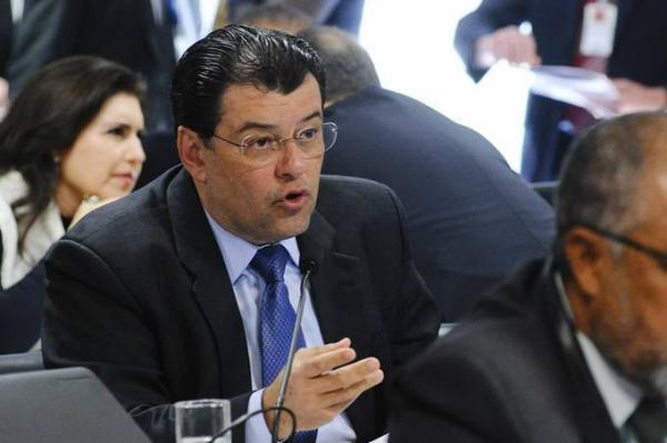 Braga propõe indenização aos demitidos da Eletrobras após venda