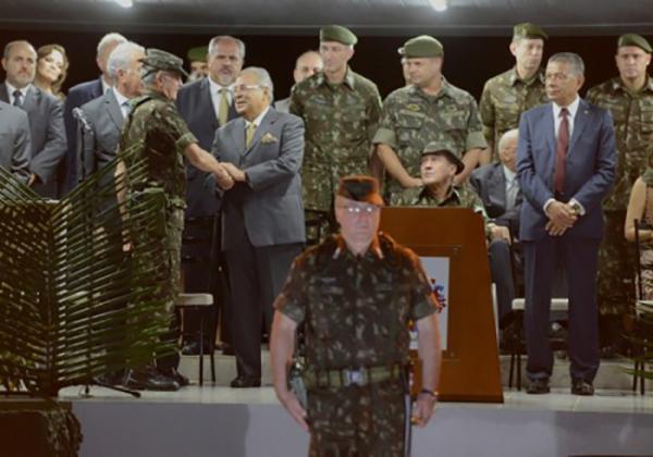 Amazonino destaca atuação do exército na Amazônia durante passagem de comando do CMA