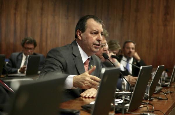 Omar cobra Petrobras por não explorar mina de silvinita em Autazes