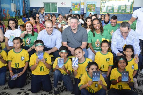 Prefeitura de Manaus e Vivo levam Aula Digital para mais de 200 escolas da Semed