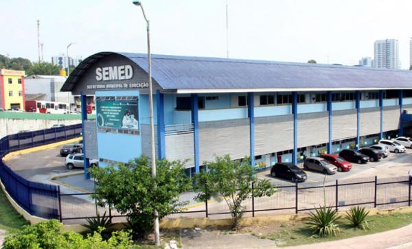 Semed divulga novo cronograma de concurso para professor, em Manaus