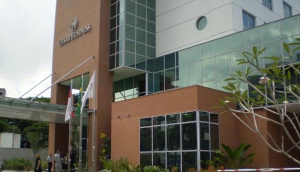 Hotel Caesar Business encerra atividades e prédio deve receber escola da Samsung