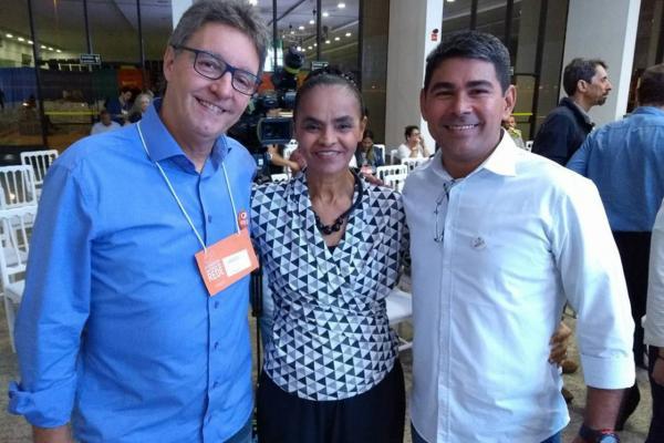 Pré-candidato ao governo, Júnior Brasil participa de congresso da REDE