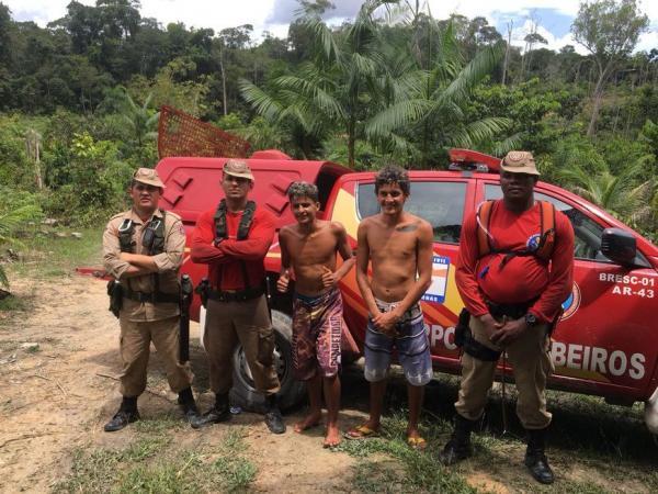 Irmãos são achados após dois dias perdidos em selva em Presidente Figueiredo