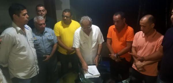 Amazonino assina promoções de 2.963 policiais militares e de cem delegados da Polícia Civil