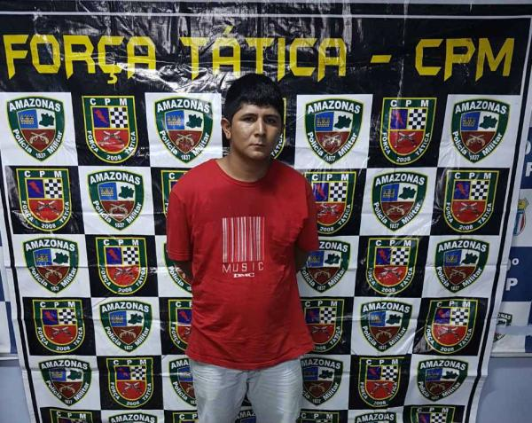 Homem é preso com drogas e arma de fogo na zona Leste de Manaus