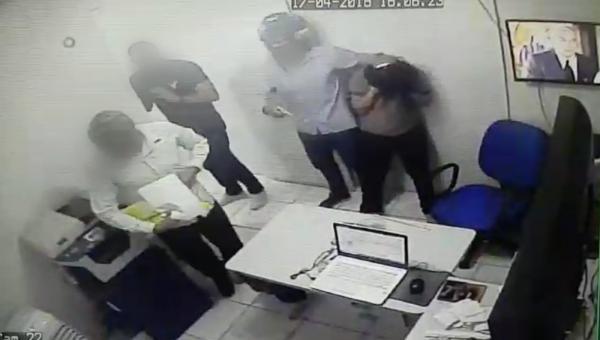 Dupla armada invade e rouba mais de R$140 mil de casa lotérica no bairro Alvorada, em Manaus