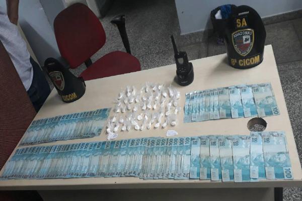 Durante fuga, bandidos abandonam drogas e dinheiro no bairro Compensa