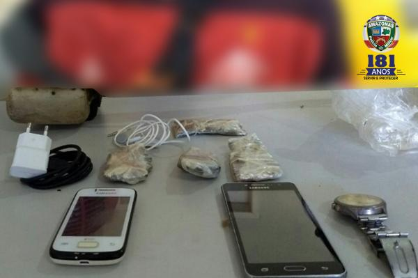 Policiais evitam entrada de telefone celular e drogas em presídio no Amazonas