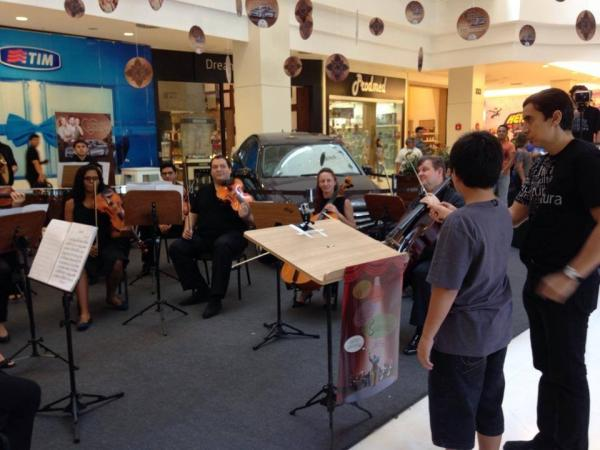 Shoppings de Manaus recebem exposições sobre Festival Amazonas de Ópera
