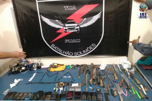 Polícia encontra 19 celulares, armas e drogas durante revista em presídio de Tefé-AM