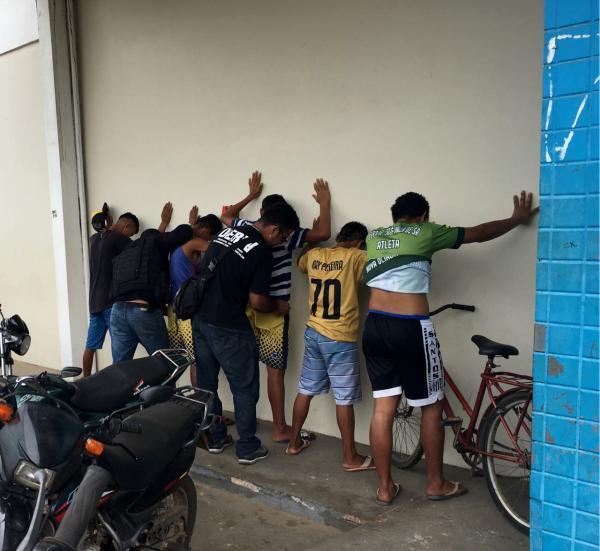 Polícia prende cinco pessoas e apreende armas e motos durante operação 'Peregrino', em Borba