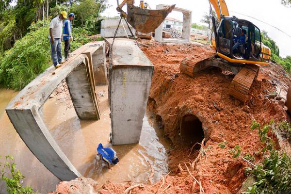Obra de recuperação de ponte na Ponta Negra é iniciada