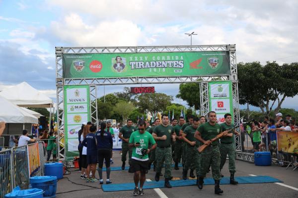 Corrida Tiradentes reúne mais de cinco mil pessoas