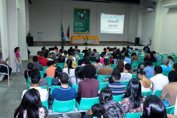Seduc recebe documentação dos candidatos para o programa de estágio