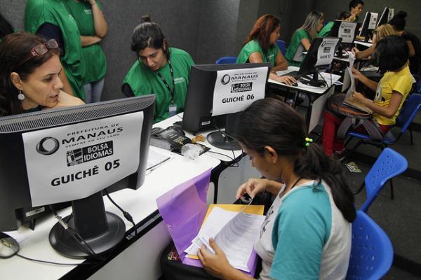 Classificados do Bolsa Idiomas têm até sexta-feira para entregar documentação