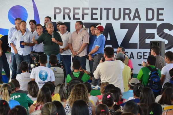 Em Autazes, Amazonino lança pacote de obras para revitalização de ruas e avenidas do interior do AM