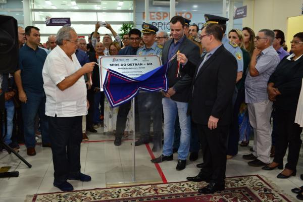 Amazonino Mendes inaugura nova sede do Detran-AM