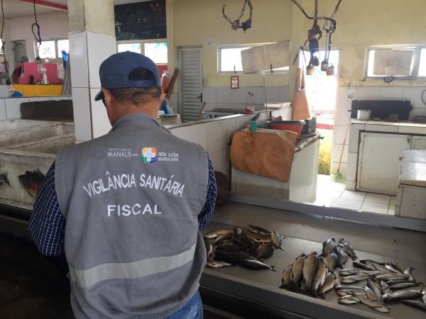 Visa Manaus inspeciona Feira do Porto da Ceasa