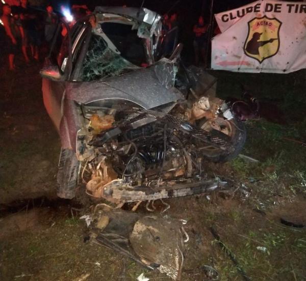 Motorista morre na BR-174 após colidir carro com carreta