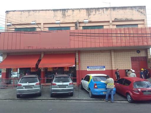 Supermercado é flagrado com 'gato' de energia na zona Oeste de Manaus