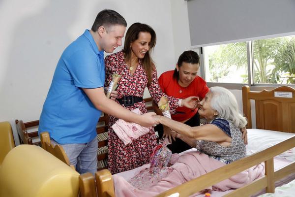 'Filho por um dia' proporciona festa do Dia das Mães para internas da Fundação Doutor Thomas