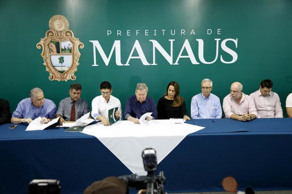 Arthur Neto lança a 3ª fase do Programa Habitacional do Servidor Público