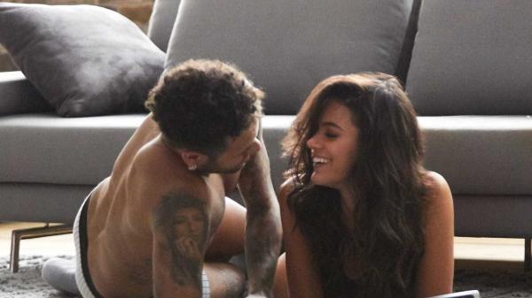 Bruna e Neymar recebem milhões por publicidade 'quente'