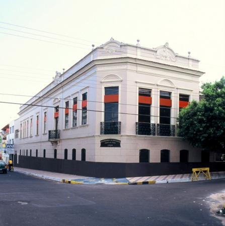 Exposição Panorama das Artes no Século 21 reúne obras de artistas amazonenses