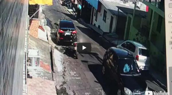 Pai tenta defender filho de assalto com vassoura, e os dois são baleados em Manaus