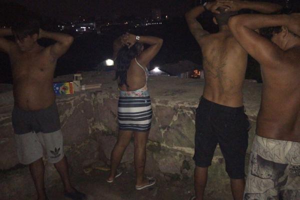 Homenagem ao traficante Zé Roberto acaba com fogueteiros presos