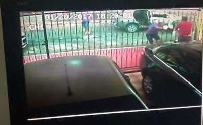Promotor é assalto e baleado em frente a sua casa