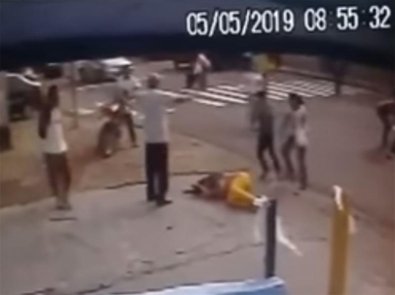 Vídeo mostra o acidente que deixou cinco pessoas feridas