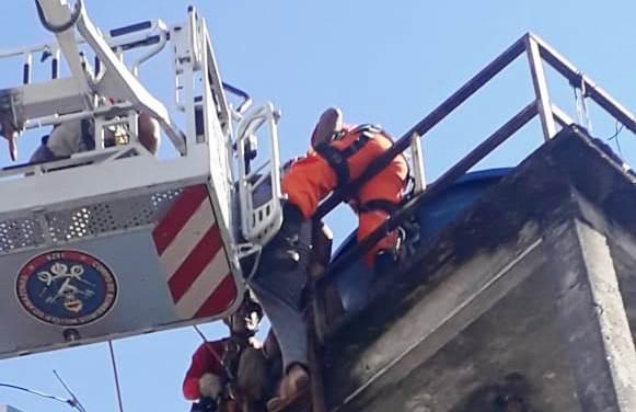 PM e Bombeiros impedem mulher de cometer suicídio na Praça 14