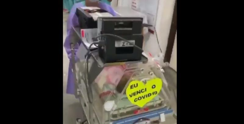Bebê recém-nascido vence o Covid-19 e recebe aplausos da equipe do Hospital